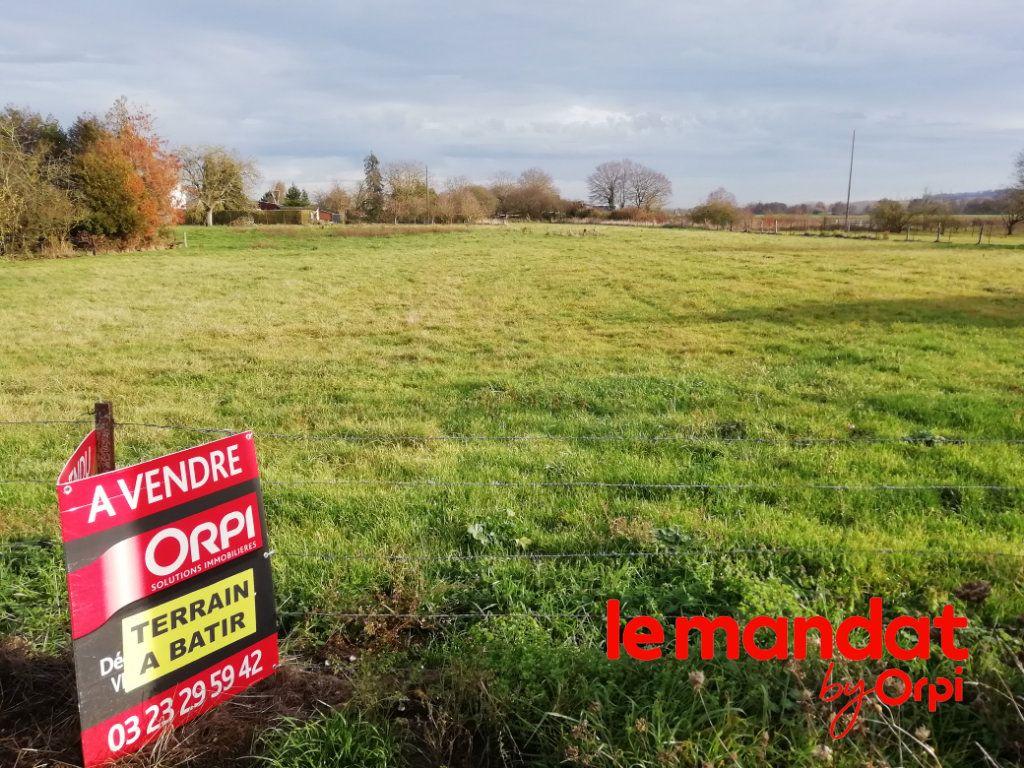 Terrain à vendre 0 1080m2 à Crécy-sur-Serre vignette-1