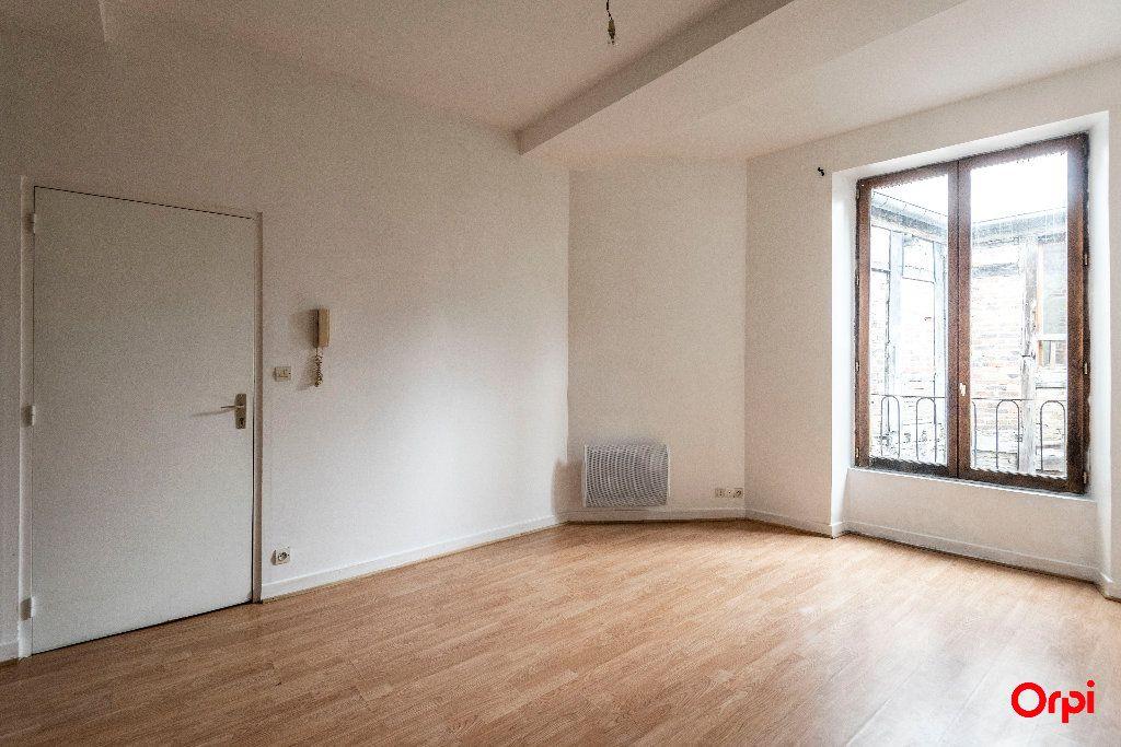 Appartement à louer 1 23m2 à Laon vignette-2