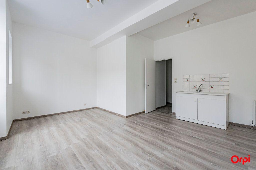 Appartement à louer 1 32m2 à Laon vignette-1