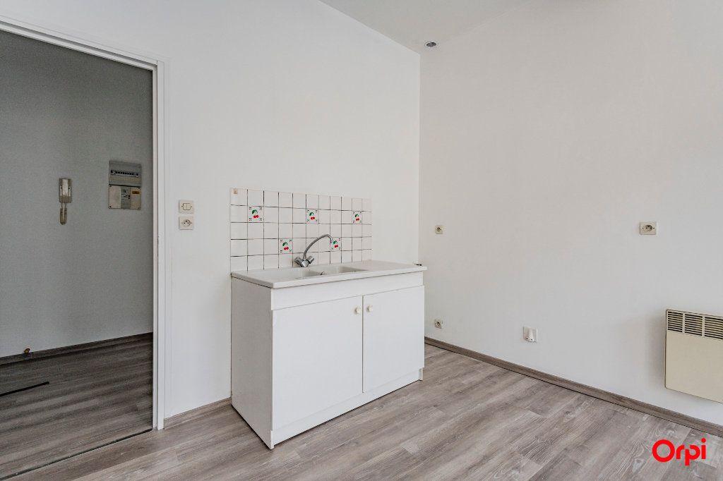 Appartement à louer 1 32m2 à Laon vignette-5