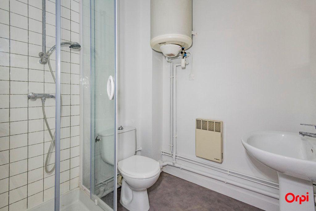 Appartement à louer 1 32m2 à Laon vignette-6