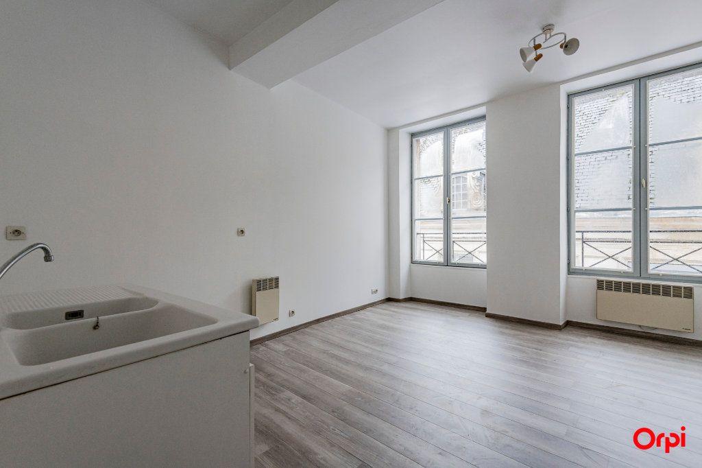 Appartement à louer 1 32m2 à Laon vignette-7