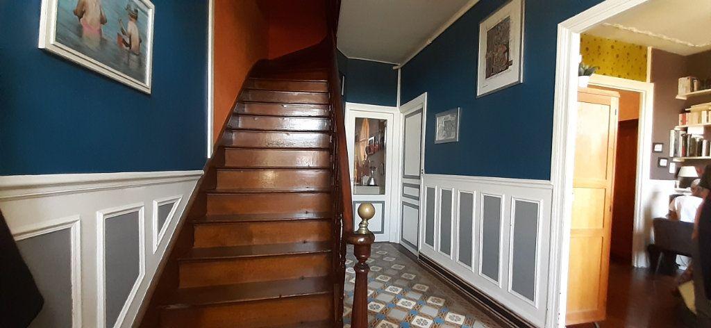 Maison à vendre 7 150m2 à Laon vignette-1