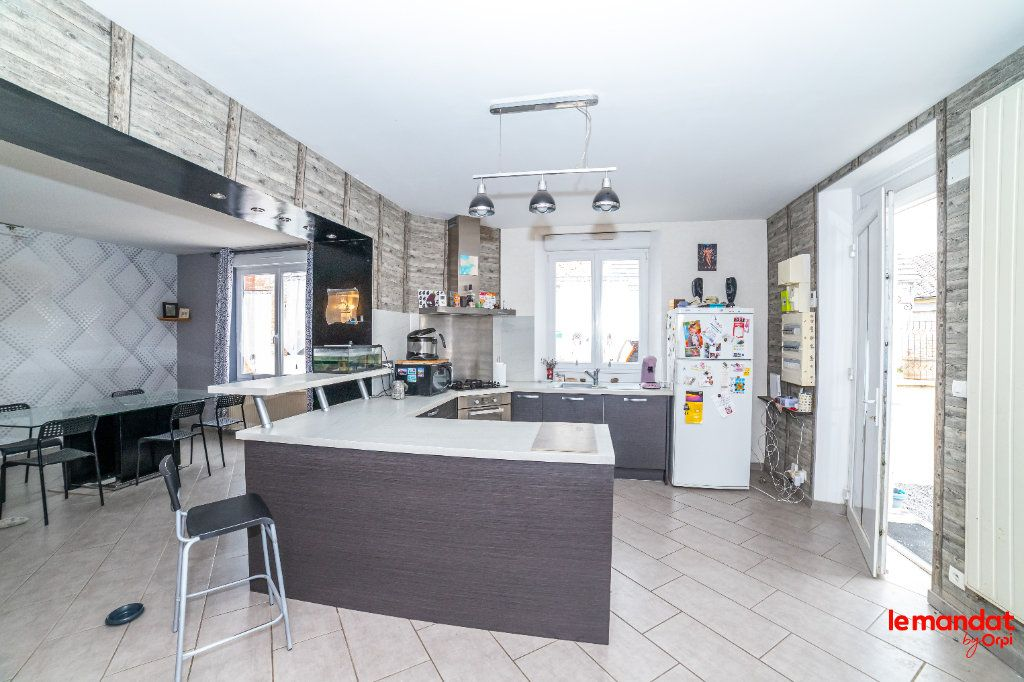Maison à vendre 8 150m2 à Mesbrecourt-Richecourt vignette-3