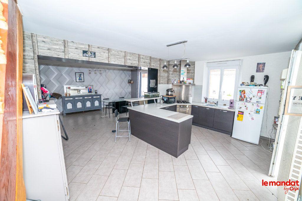 Maison à vendre 8 150m2 à Mesbrecourt-Richecourt vignette-4
