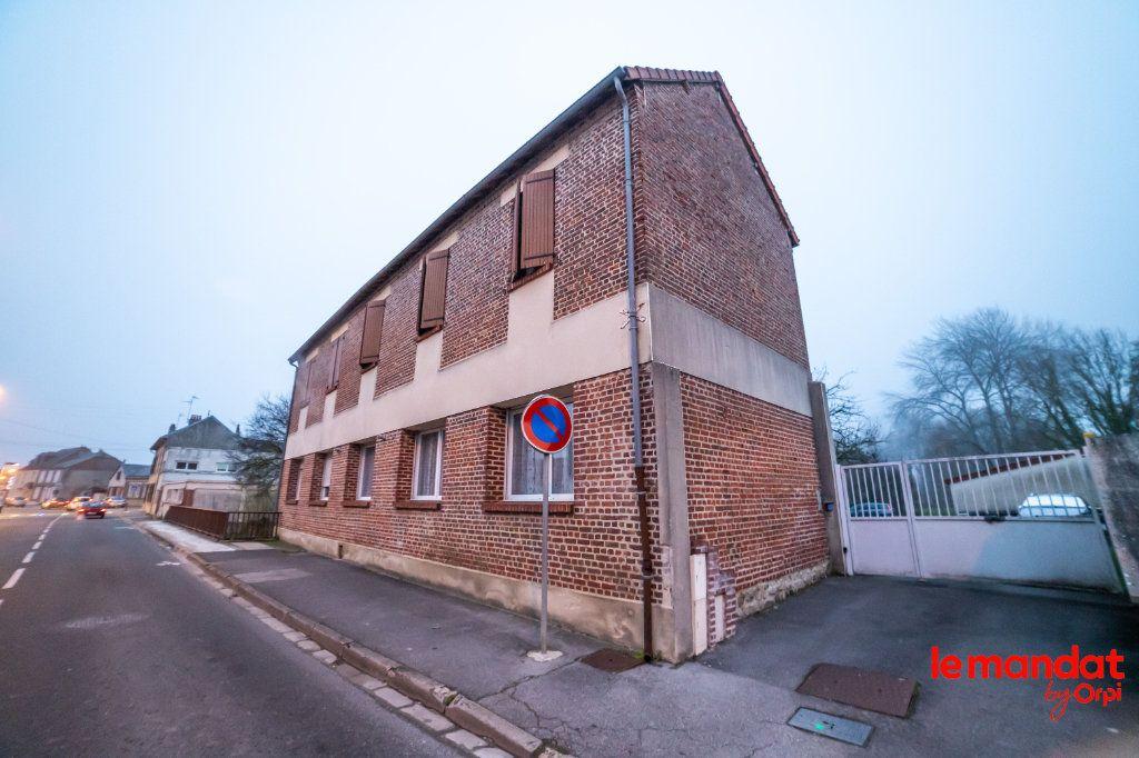 Appartement à louer 5 90m2 à Laon vignette-1