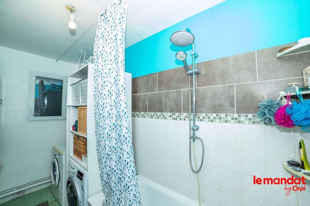 Appartement à louer 5 90m2 à Laon vignette-2