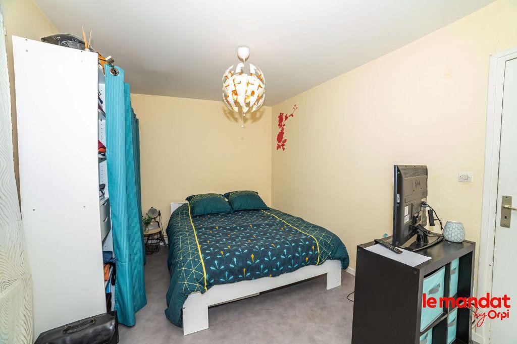 Appartement à louer 5 90m2 à Laon vignette-3