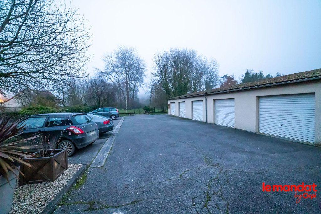 Appartement à louer 5 90m2 à Laon vignette-5