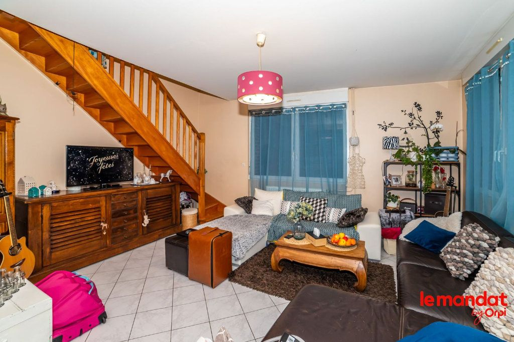 Appartement à louer 5 90m2 à Laon vignette-7