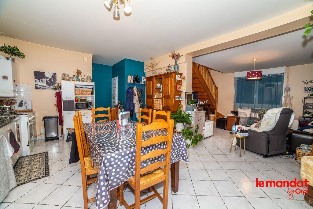 Appartement à louer 5 90m2 à Laon vignette-8