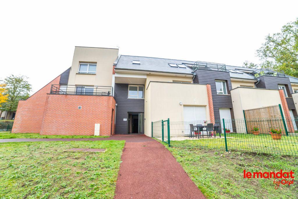 Appartement à louer 2 43.72m2 à Laon vignette-1
