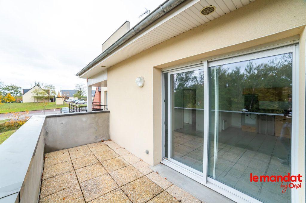 Appartement à louer 2 43.72m2 à Laon vignette-2