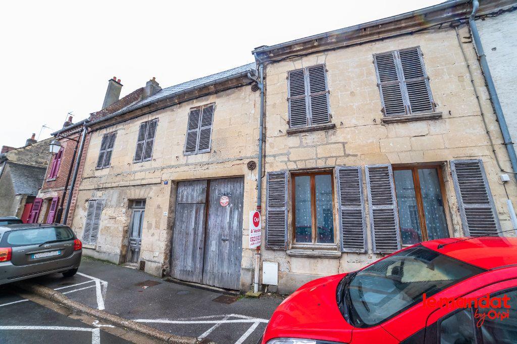 Immeuble à vendre 0 132m2 à Crépy vignette-1