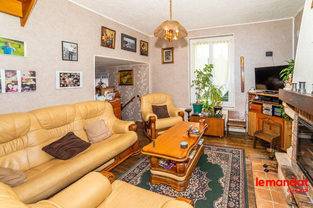 Maison à vendre 6 112m2 à Chevregny vignette-5