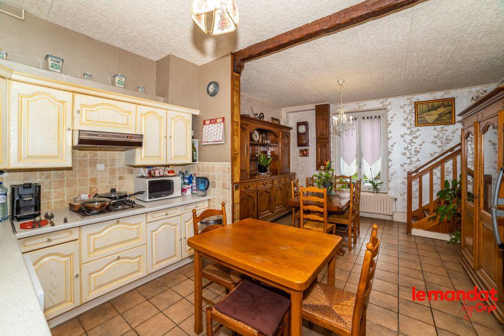 Maison à vendre 6 112m2 à Chevregny vignette-11