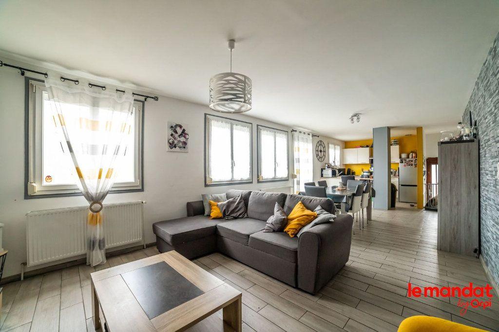 Maison à vendre 6 100m2 à Saint-Erme-Outre-et-Ramecourt vignette-1