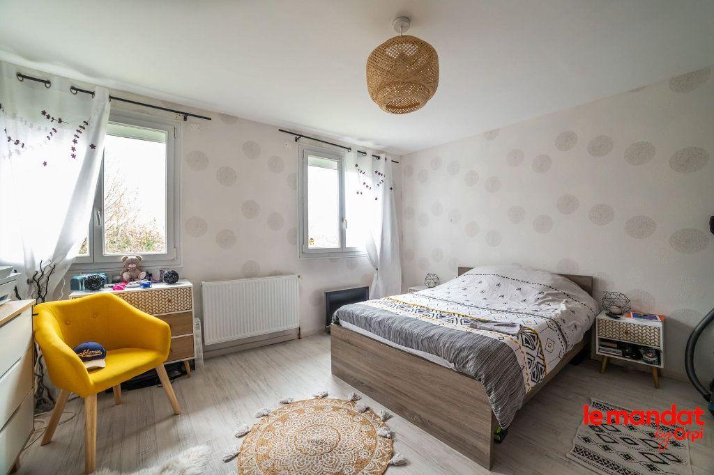 Maison à vendre 6 100m2 à Saint-Erme-Outre-et-Ramecourt vignette-4