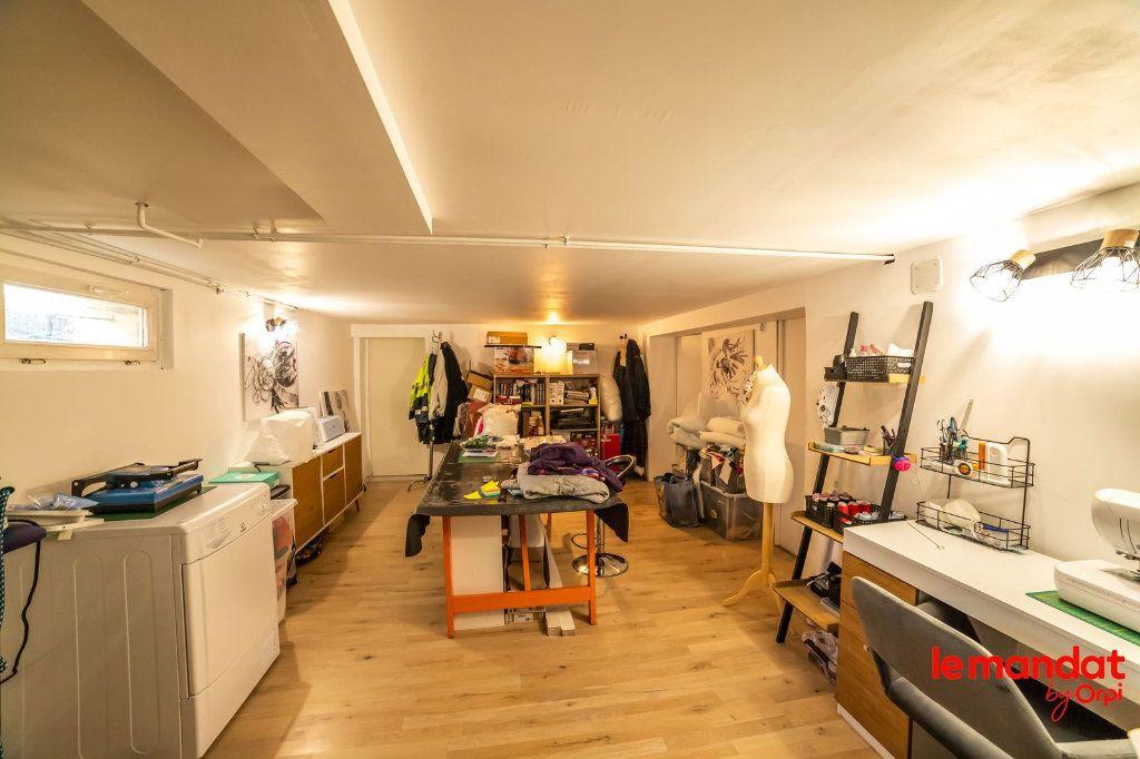 Maison à vendre 6 100m2 à Saint-Erme-Outre-et-Ramecourt vignette-6