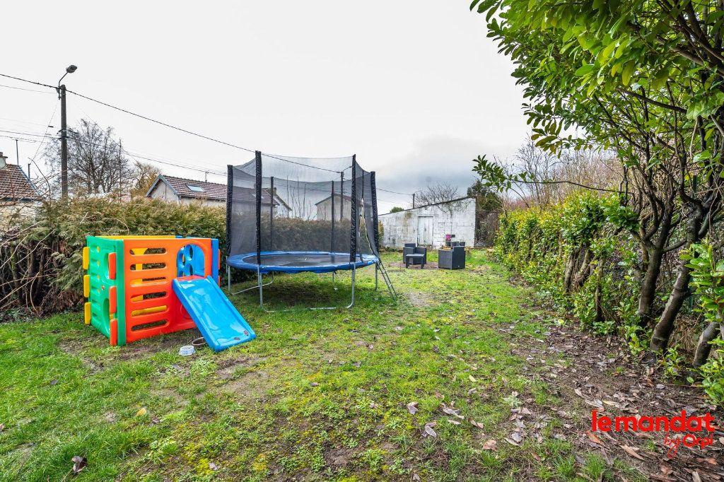 Maison à vendre 6 100m2 à Saint-Erme-Outre-et-Ramecourt vignette-9