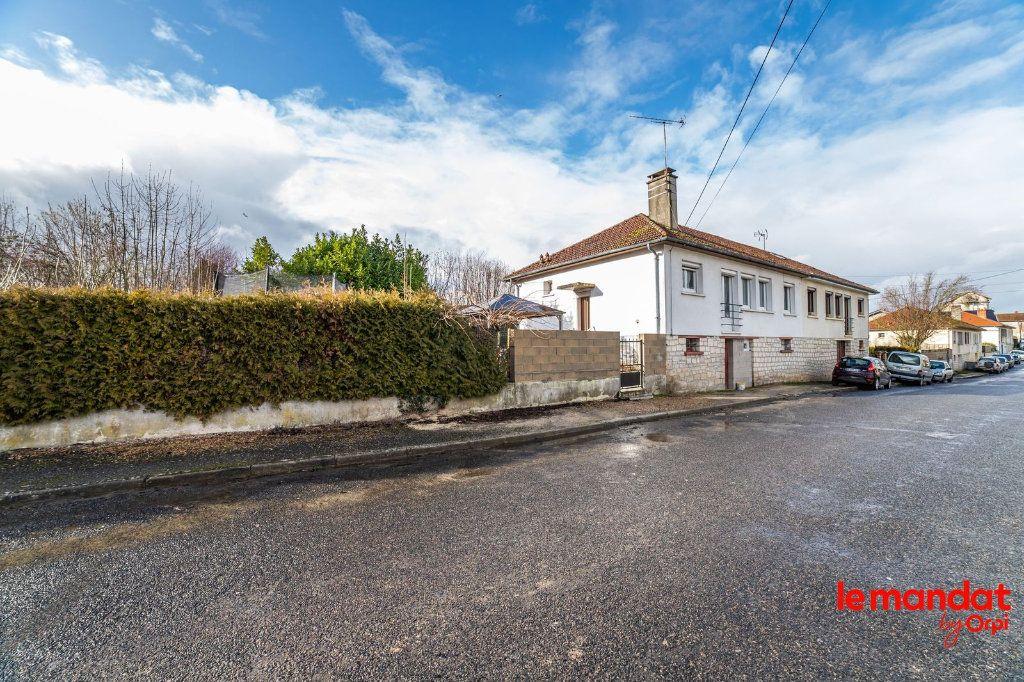 Maison à vendre 6 100m2 à Saint-Erme-Outre-et-Ramecourt vignette-10