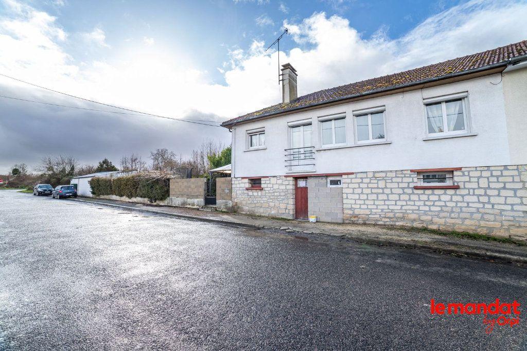 Maison à vendre 6 100m2 à Saint-Erme-Outre-et-Ramecourt vignette-11