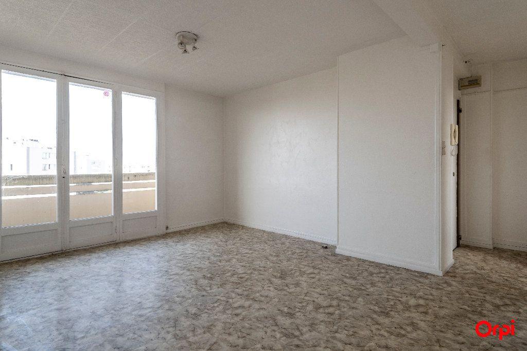 Appartement à vendre 3 55m2 à Laon vignette-1