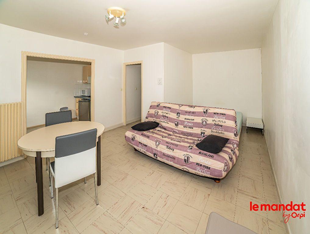 Appartement à vendre 1 32m2 à Laon vignette-2