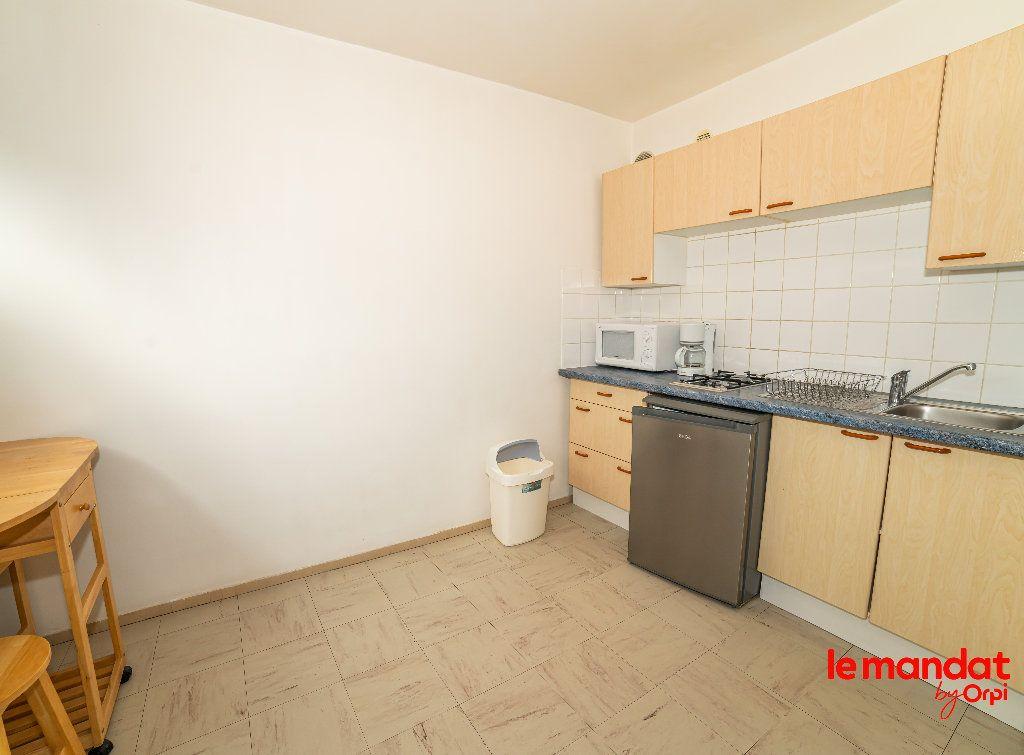 Appartement à vendre 1 32m2 à Laon vignette-3