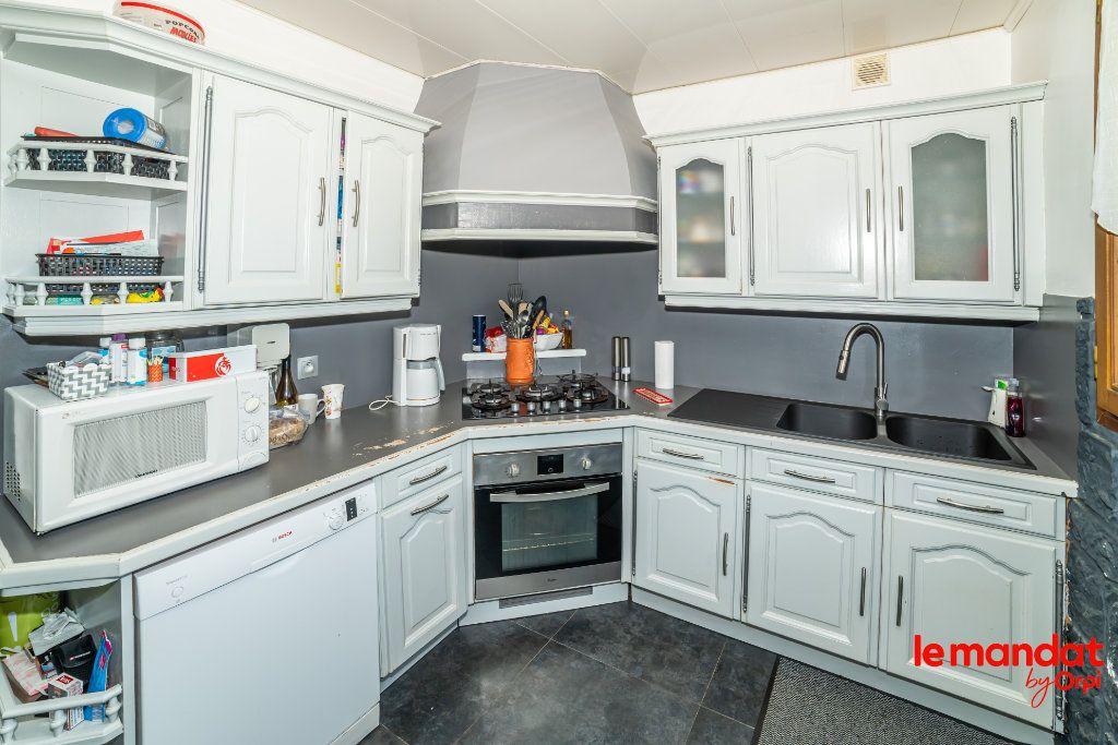 Maison à vendre 5 124m2 à Barenton-Bugny vignette-4