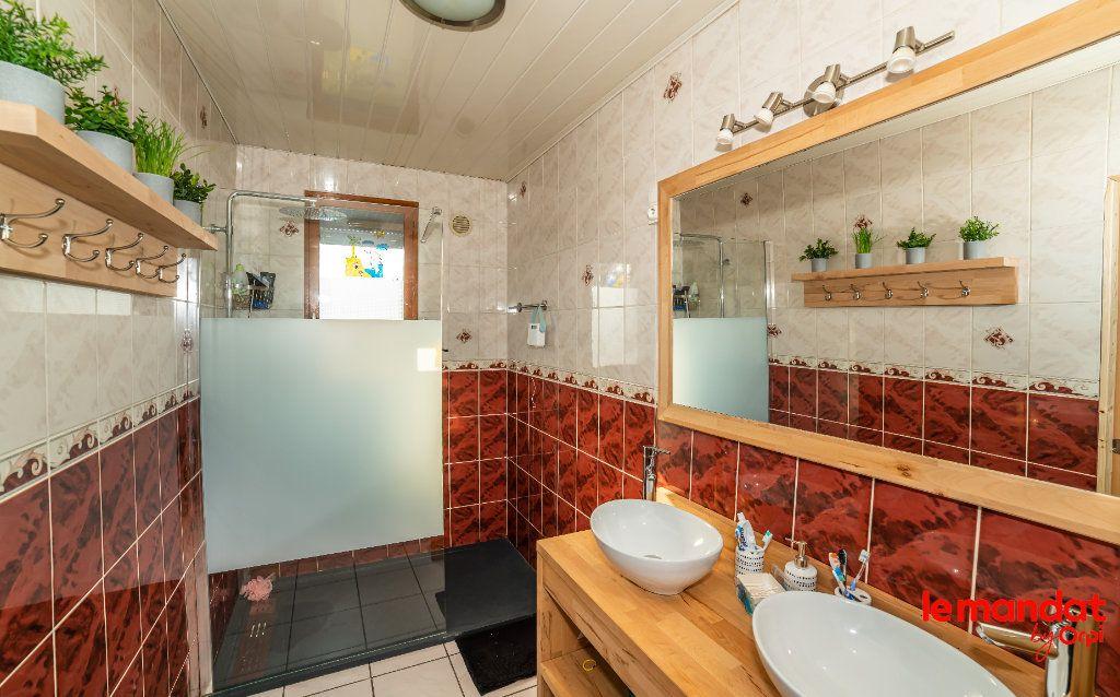Maison à vendre 5 124m2 à Barenton-Bugny vignette-5
