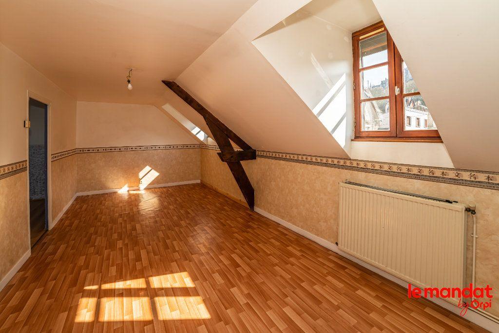 Appartement à louer 4 60m2 à Laon vignette-1
