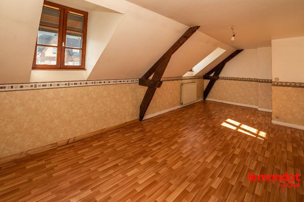 Appartement à louer 4 60m2 à Laon vignette-2