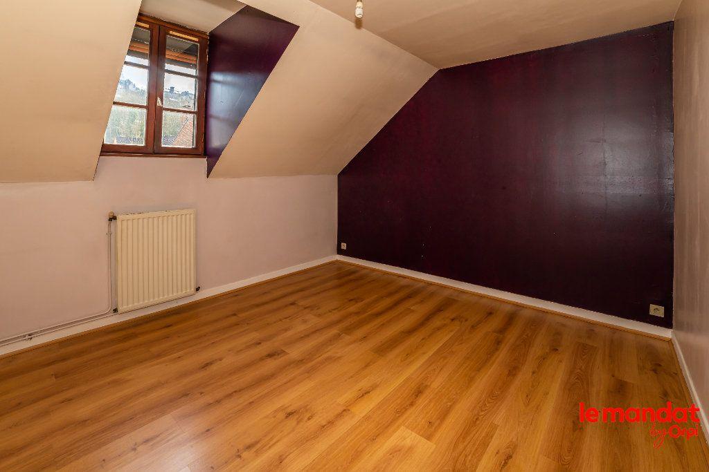 Appartement à louer 4 60m2 à Laon vignette-3