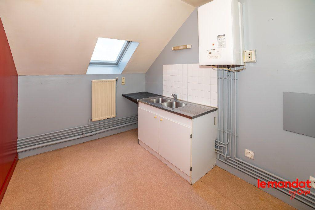 Appartement à louer 4 60m2 à Laon vignette-5