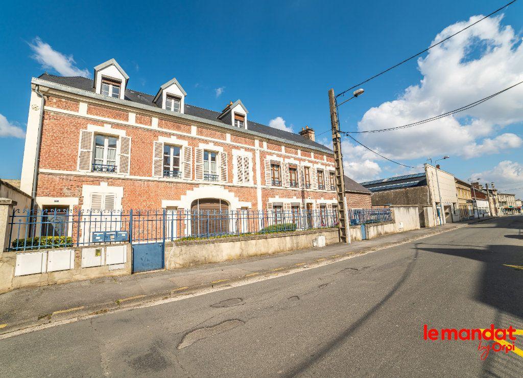 Appartement à louer 4 60m2 à Laon vignette-7