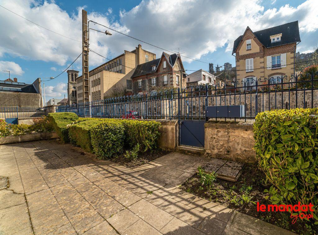 Appartement à louer 4 60m2 à Laon vignette-9
