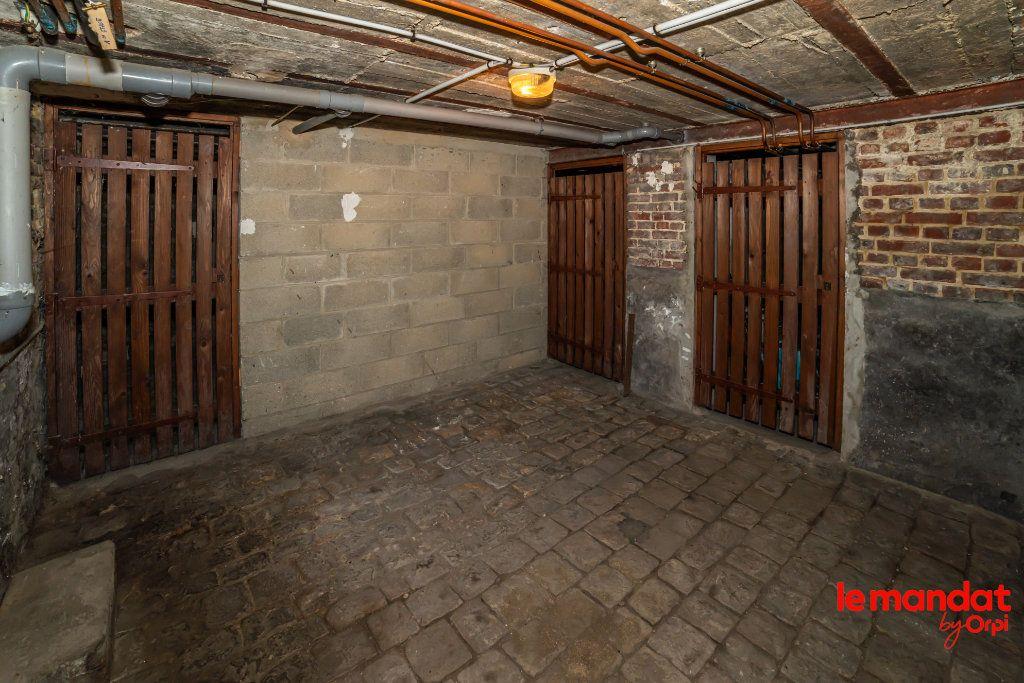 Appartement à louer 4 60m2 à Laon vignette-10