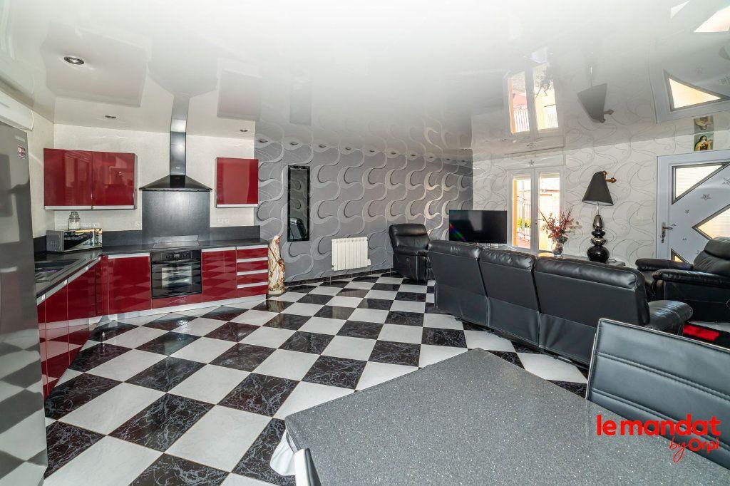 Maison à vendre 6 115m2 à Chaourse vignette-2