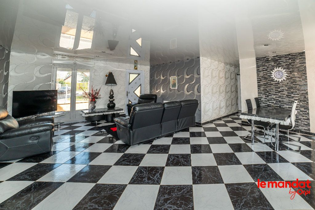 Maison à vendre 6 115m2 à Chaourse vignette-3