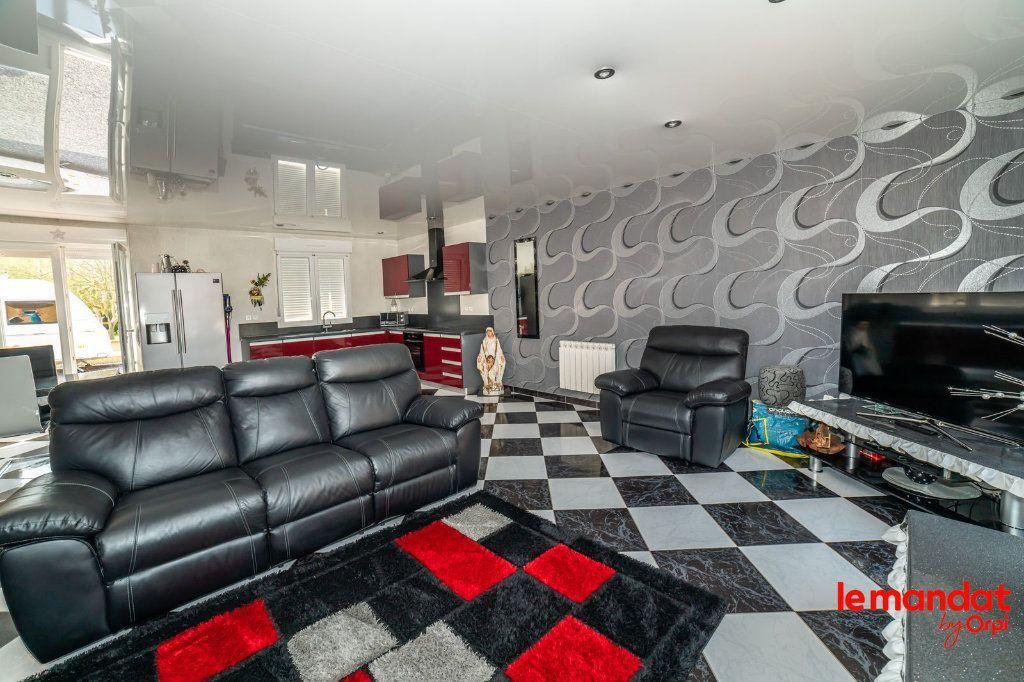 Maison à vendre 6 115m2 à Chaourse vignette-4