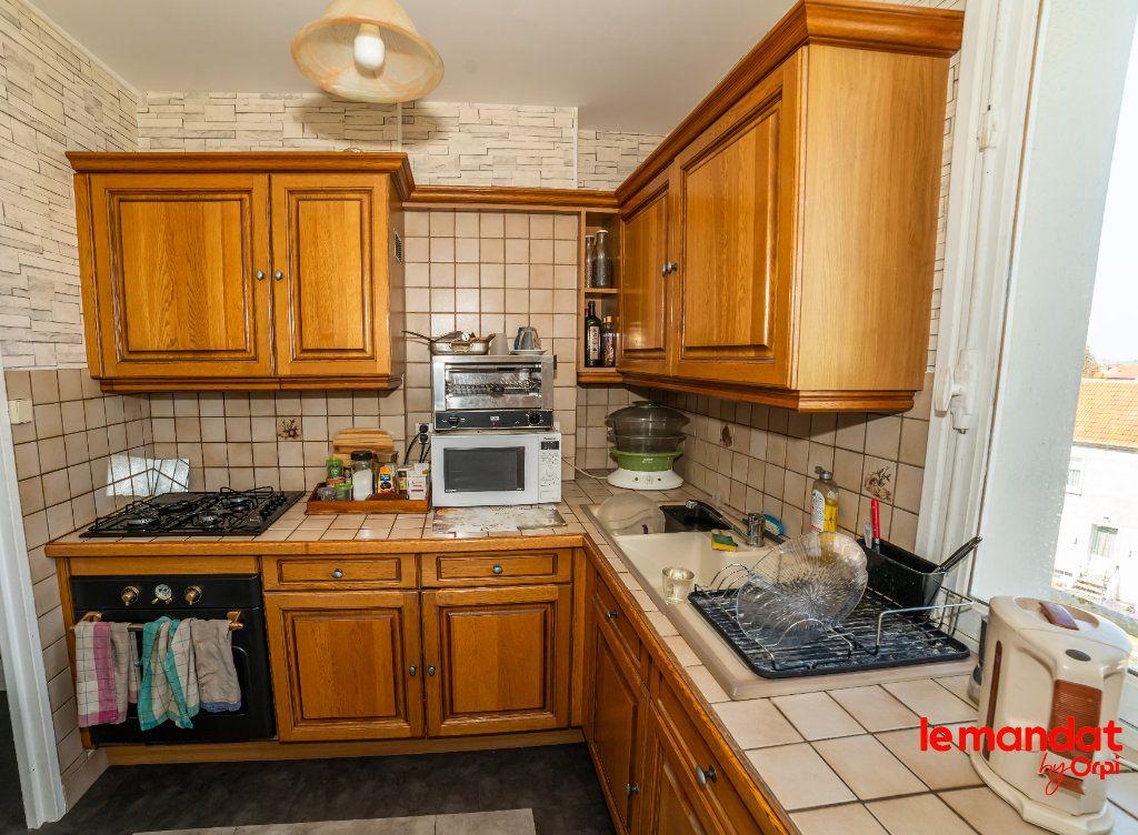 Appartement à vendre 4 51.44m2 à Laon vignette-5