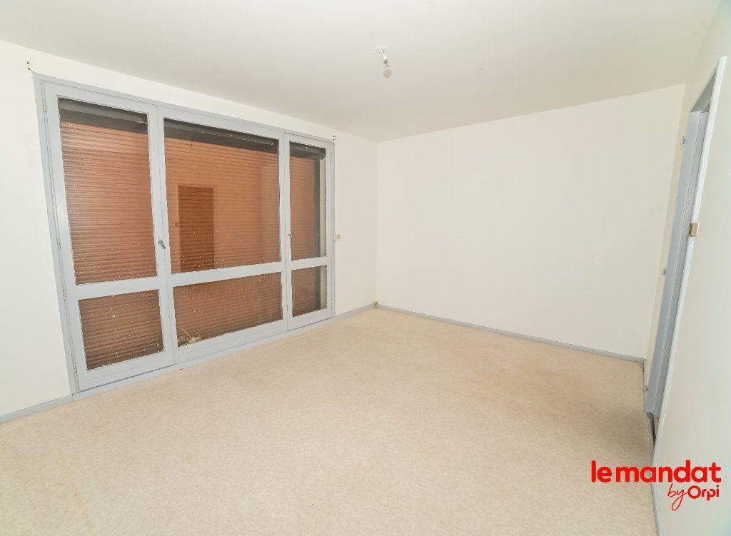 Appartement à vendre 2 43m2 à Laon vignette-2