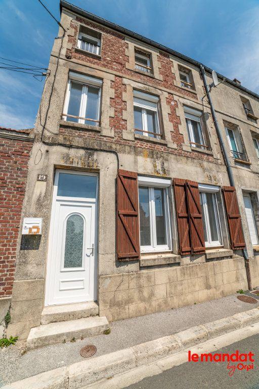 Maison à louer 4 70m2 à Chauny vignette-1
