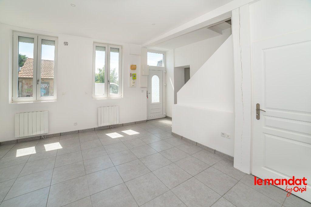 Maison à louer 4 70m2 à Chauny vignette-3