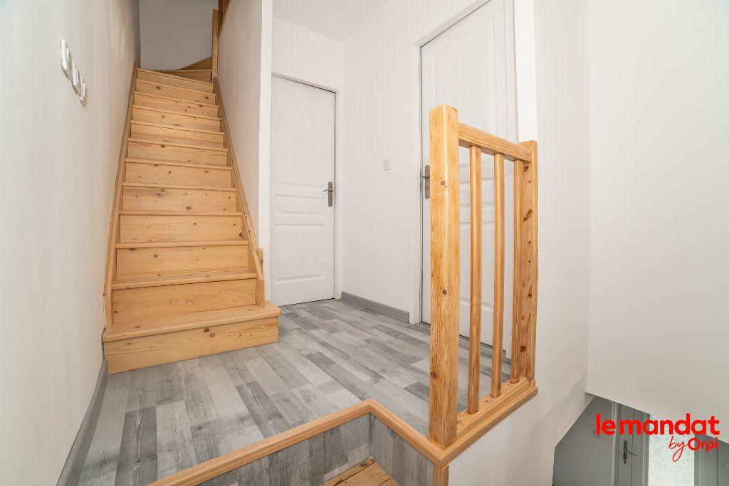 Maison à louer 4 70m2 à Chauny vignette-6