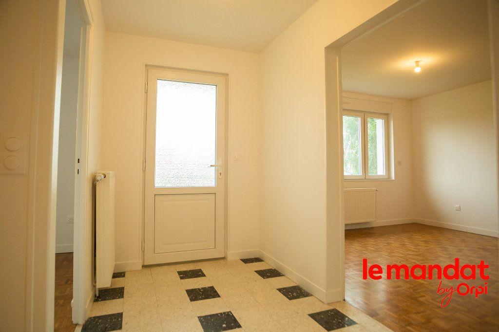 Maison à louer 4 100m2 à Athies-sous-Laon vignette-5