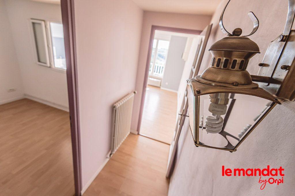 Appartement à louer 3 60m2 à Laon vignette-4