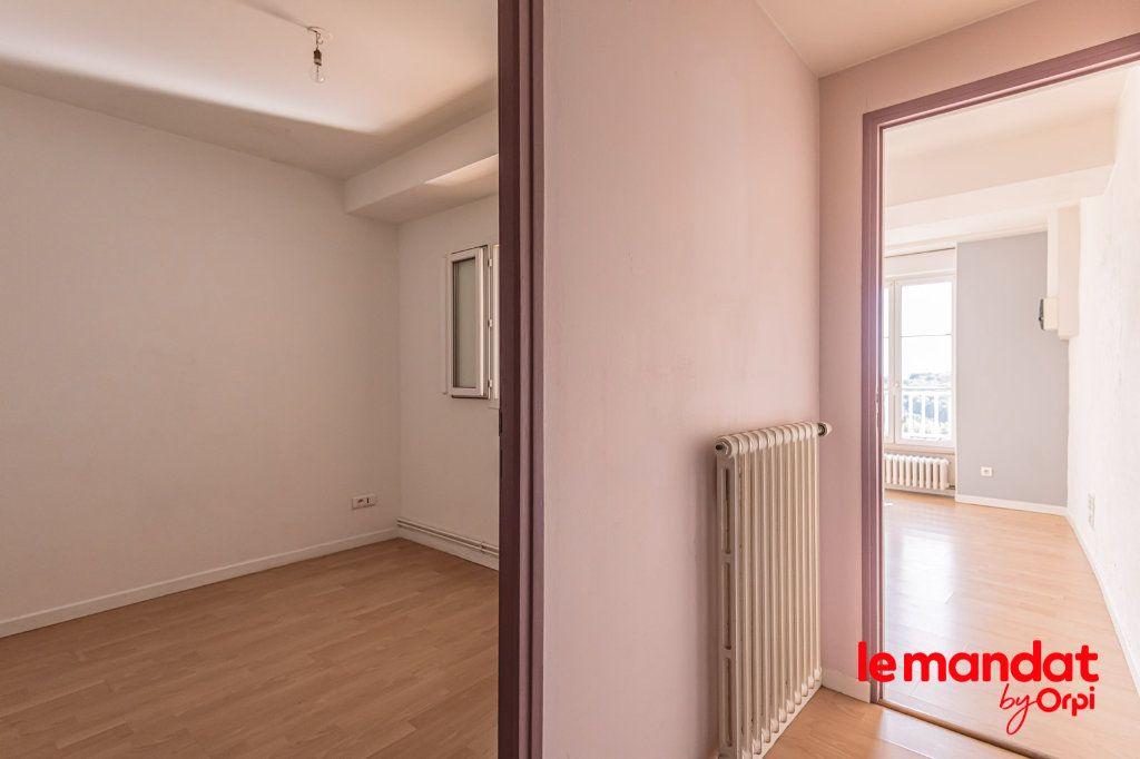 Appartement à louer 3 60m2 à Laon vignette-6