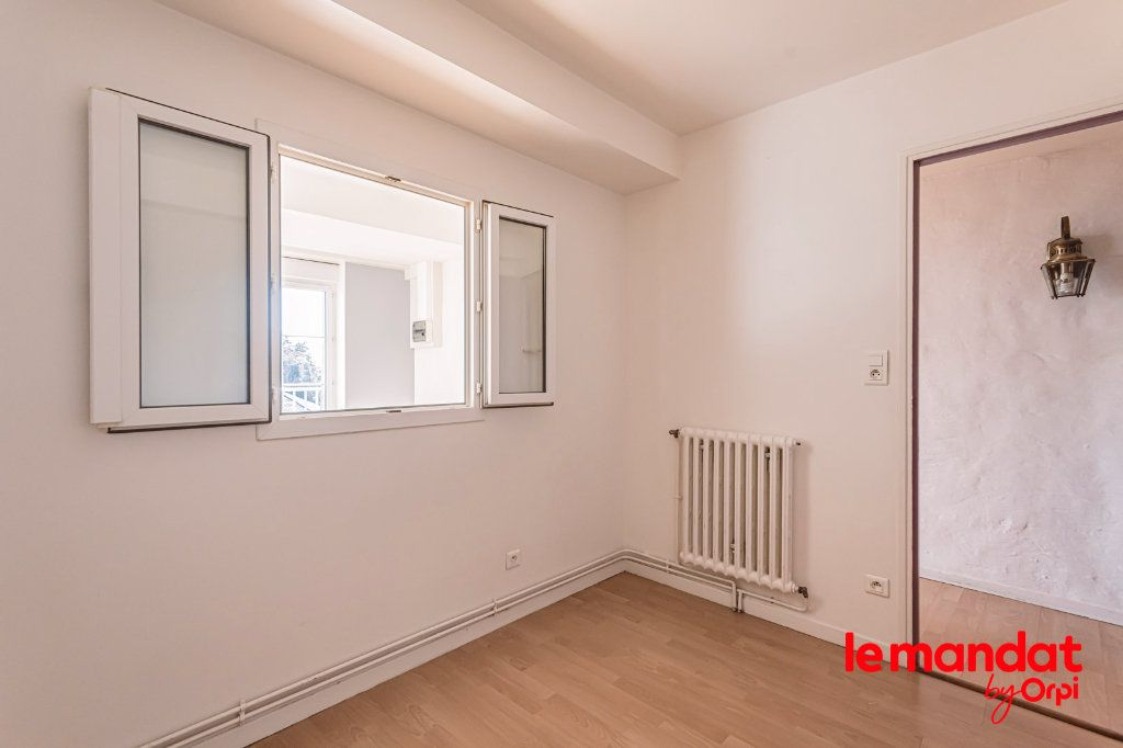 Appartement à louer 3 60m2 à Laon vignette-8